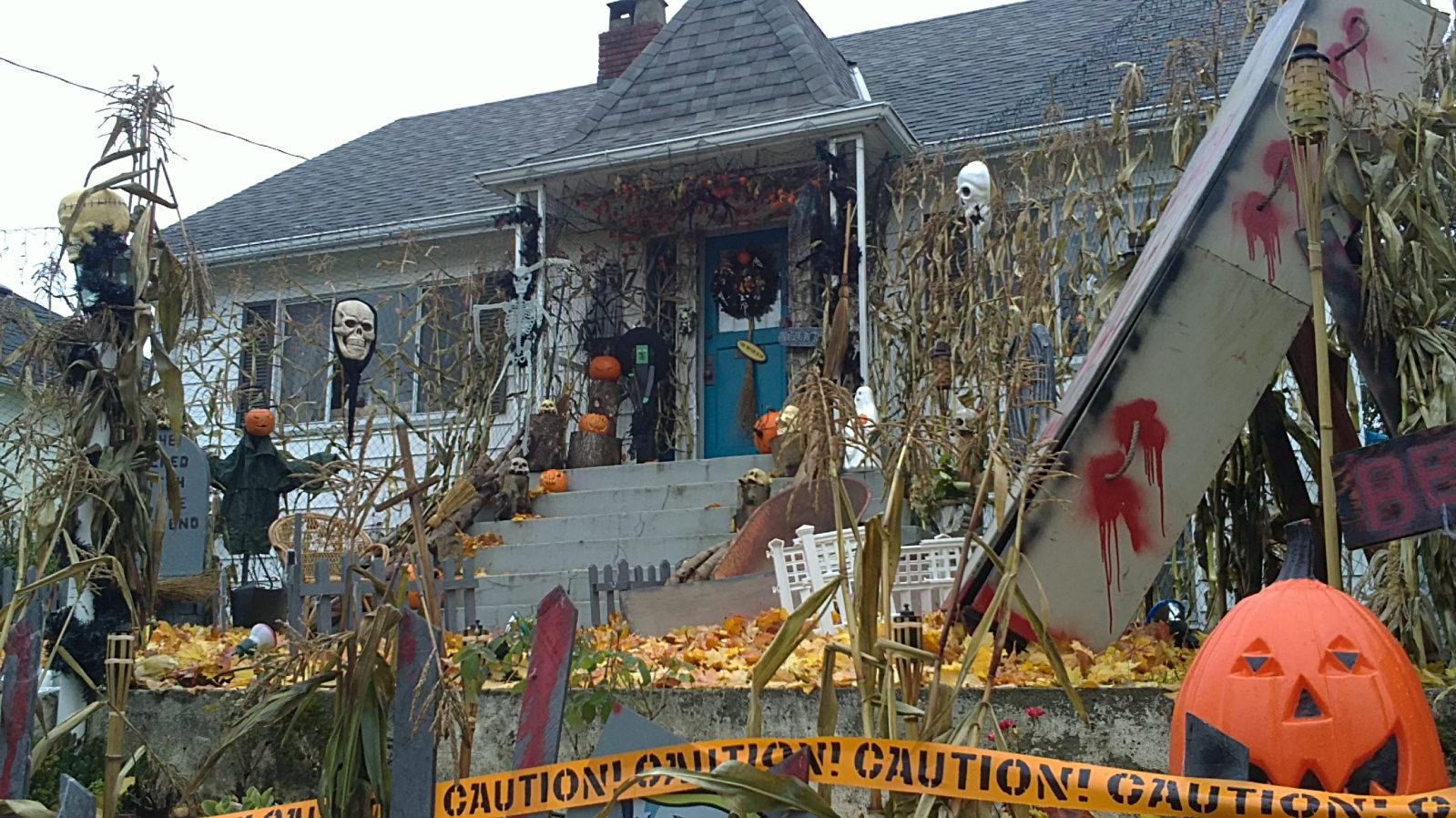 Halloween front yard