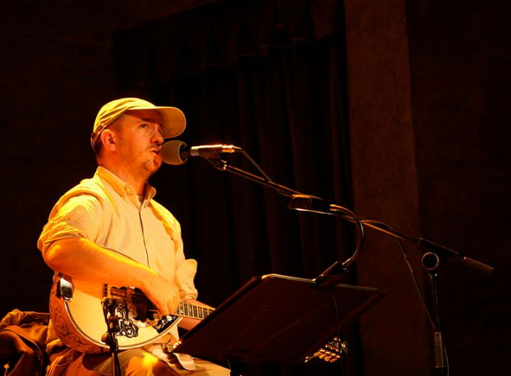 800px-Stephin_Merritt_The_Magnetic_Fields_Barcelona_2008