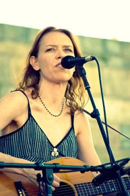 319px-Gillian_welch